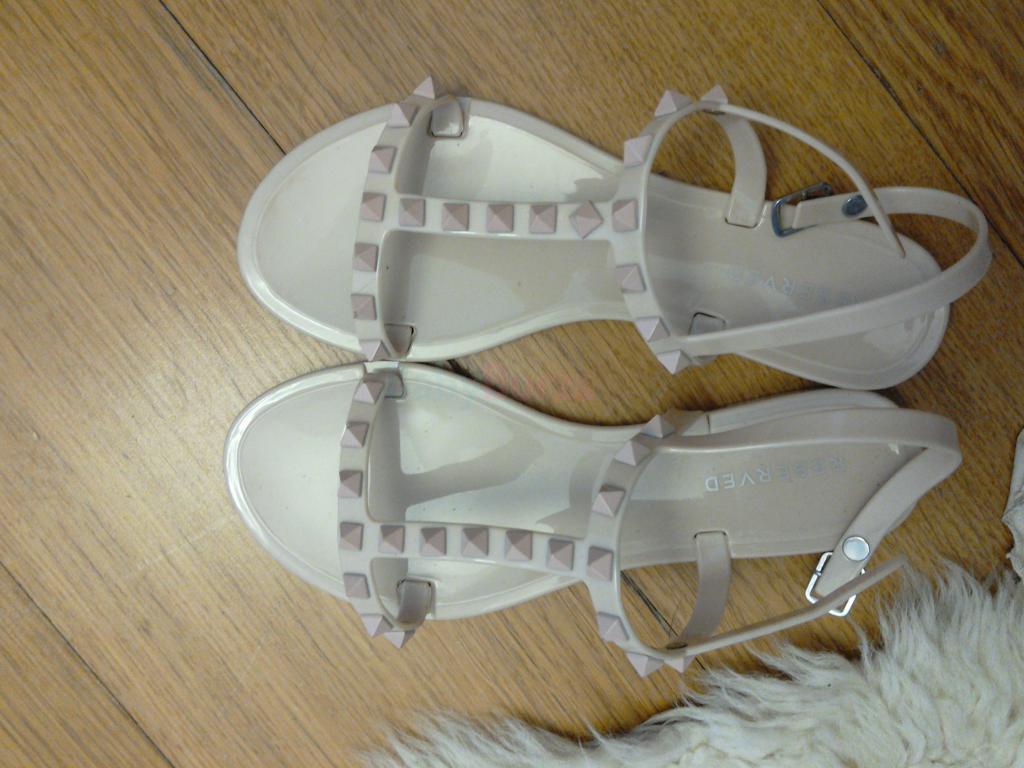 a93ec32c3ef32 Sandálky veľkosť 35. - 98 401,00 € + Dohodou | BabyBurza.sk