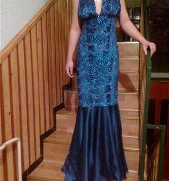 Dlhe modré spoločenské šaty - 30 8600fc57ecf