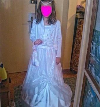 krásne nové šaty na 1 f5dd23a3a3a