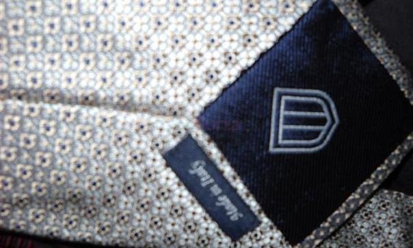 aaa54a0f7ee6 ... predam krasne znackove panske kravaty-ako novev perfektnom stave- ...