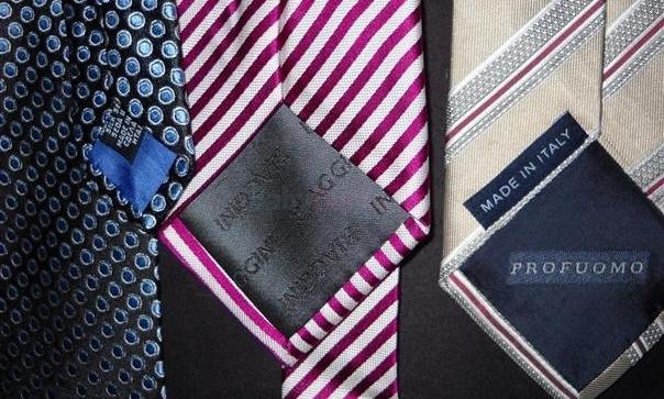30f37feb0ad0 ... predam krasne znackove panske kravaty-ako novev perfektnom stave- ...