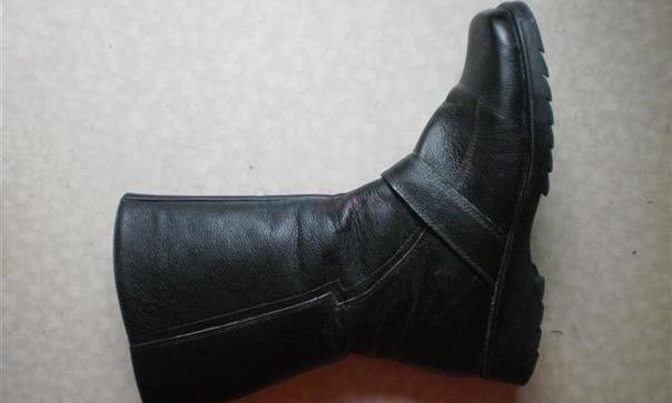 bd0237245 Predám nové dámske čierne čižmy, č.37 - 42,00 € | BabyBurza.sk