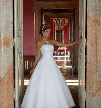 Predám princeznovské svadobné šaty - 199 67a491572f9