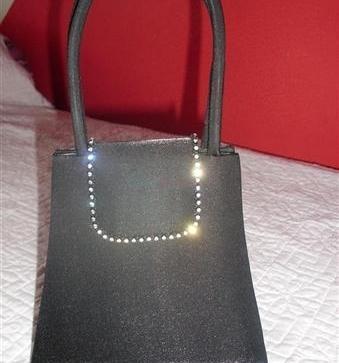 Predám spoločenskú kabelku čiernu - 5 6c070d29606