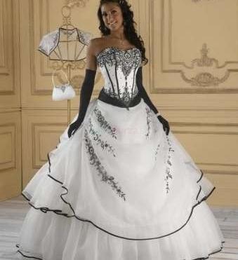 Svadobné šaty čierno biele  Svadobné šaty čierno biele ... 648421cdadb