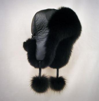 Čiapka dámska z polárnej líšky. Farba čierna.