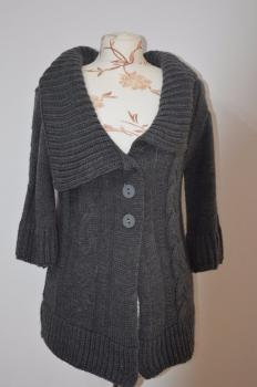 Dámsky pletený sveter