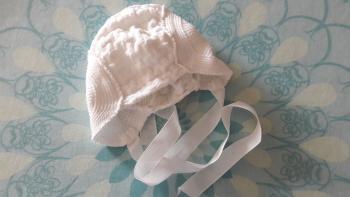Čiapočka+2 pletené svetre, 0-3 mesiace