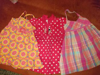 3 šaty