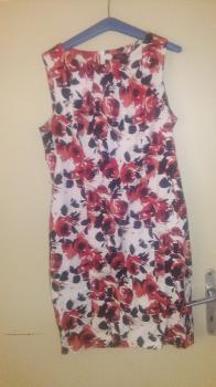 Krásne šaty v. 44