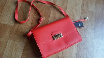 Krásna nová kabelka