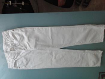 biele nohavice č. 42