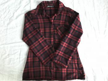 Červena károvaná košeľa