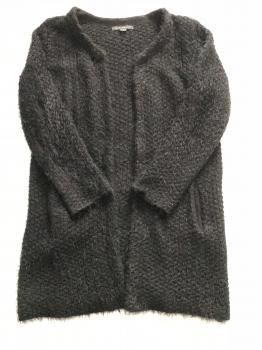 Čierny chlpatý kardigán