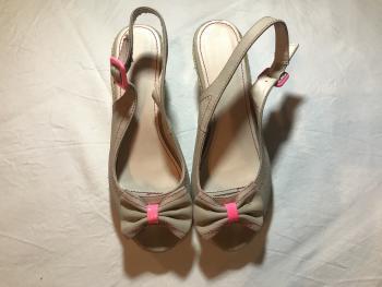 Rúžovo-sivé sandálky