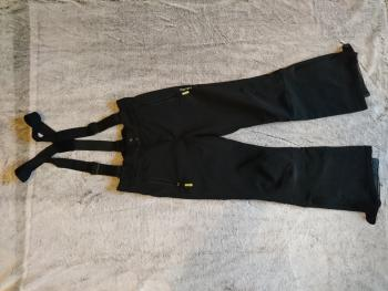 Lyžiarsku bundu a nohavice
