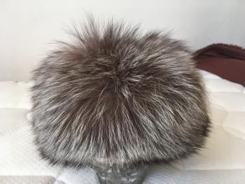 dámska kožušinová čiapka strieborná líška