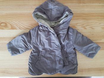 Dievcenska bunda zn. ZARA velkost 6-9m