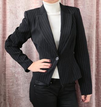Čierne sako s bielym prúžkom, veľ.38-40