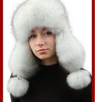 Čiapka z pravej kožusiny polárna líška, biela.