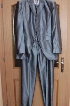 Sivý slávnostný oblek - trojkombinácia